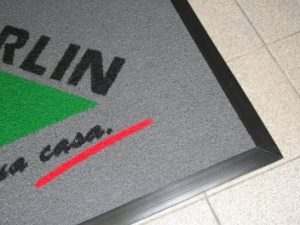 Capacho com Logo e Bordas Flex